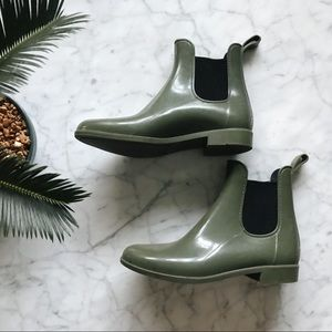 J Crew Chelsea Green Ankle Rubber Rain Boot - 9